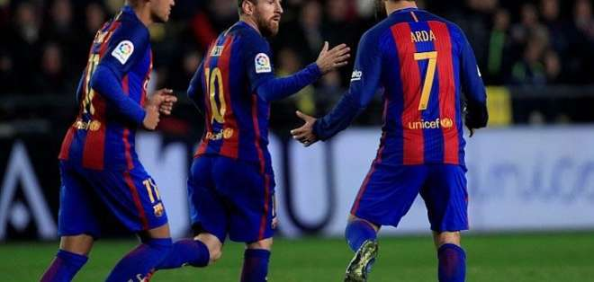 Messi marcó un golazo de tiro libre.