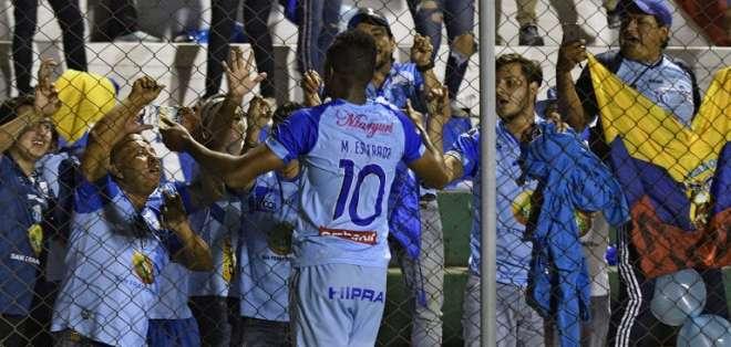 El delantero ecuatoriano fue la figura del macará en triunfo sobre Guabirá. Foto: AIZAR RALDES / AFP
