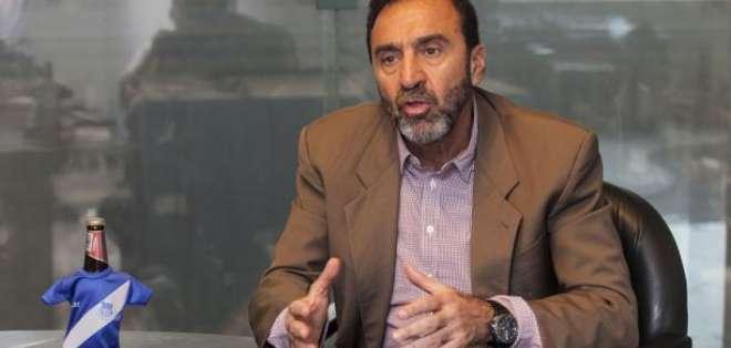 Nassib Neme, presidente de Emelec, durante una entrevista.