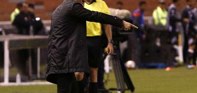 El entrenador de Liga de Quito no quiso dar nombres para cubrir esa posición. Foto: Archivo/API