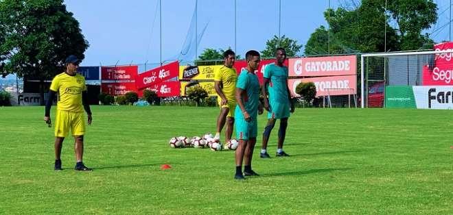 Gavica en su entrenamiento con BSC.