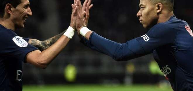 El líder francés goleó 3-0 al Amiens con goles de Cavani, Mbappé y Marquinhos. Foto: FRANCOIS LO PRESTI / AFP