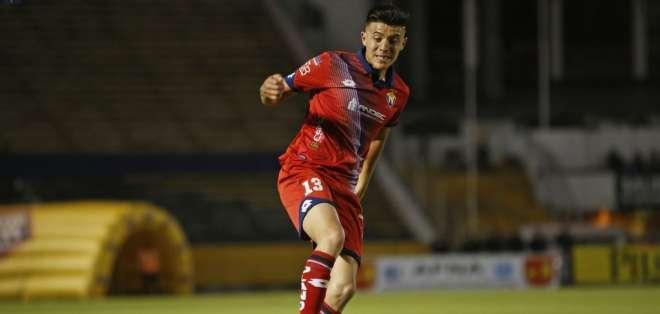 El volante firmó un contrato de 4 años con los 'negriazules' tras un paso fugaz por Liga de Quito. Foto: Archivo