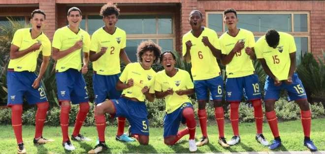 La 'MiniTri' abre el grupo A del Sudamericano de la categoría que se disputa en Perú. Foto: Tomada de @FEFecuador