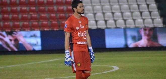 Alberto Díaz afirmó que Tobías Vargas (foto) ya ha hecho antes lo de firmar por dos equipos. Foto: Tomada de www.tapatalk.com