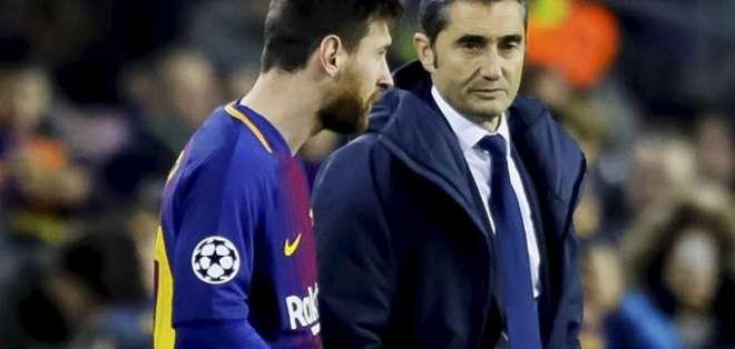 Messi junto a Valverde, entrenador del Barca.