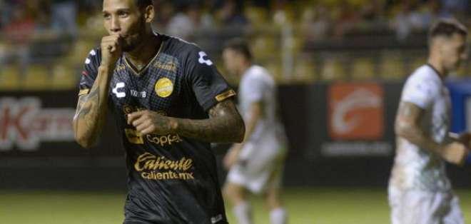 Vinicio Angulo, delantero ecuatoriano.