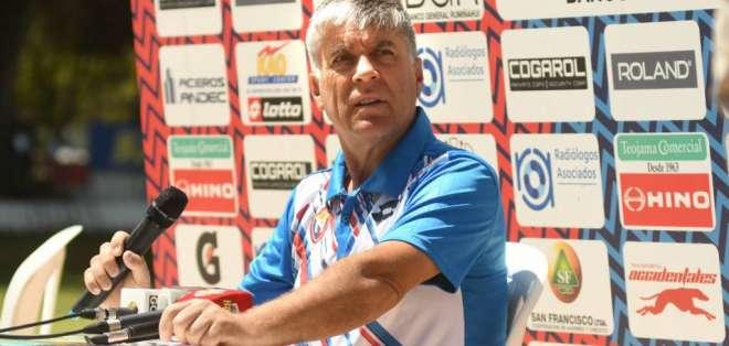 Marcelo Zuleta, entrenador de El Nacional, atendió a los medios en rueda de prensa.
