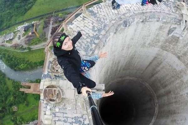 Muerte por selfie: 259 personas han fallecido accidentalmente en 7 años en busca del autorretrato perfecto