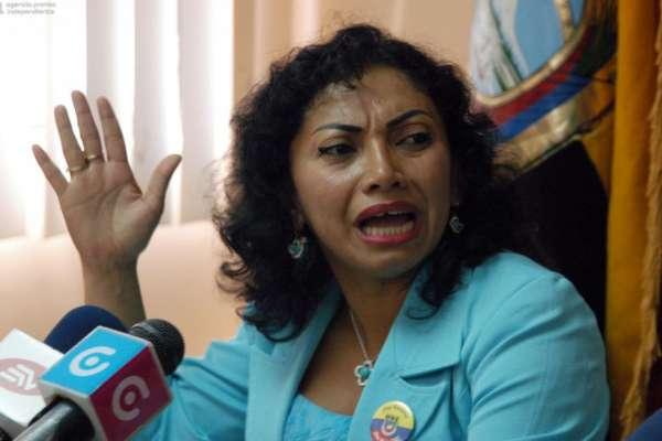 Abren indagación contra Correa por denuncia de Mery Zamora