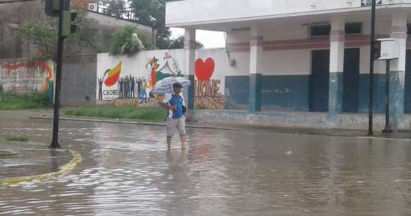 Al menos 15 barrios de Manta afectados por intensa lluvia