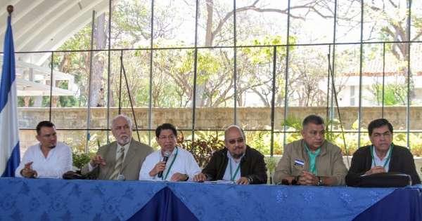 Gobierno y oposición de Nicaragua reanudan diálogo