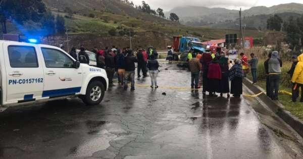 6 muertos en accidente de tránsito en la vía Riobamba - Colta