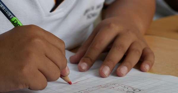 Persisten reclamos por cupos en escuelas de Guayaquil