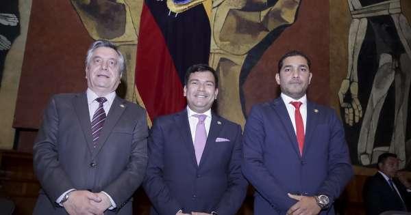 Tres hombres están al frente de la Asamblea Nacional