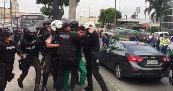 4 estudiantes de Medicina detenidos en Guayaquil