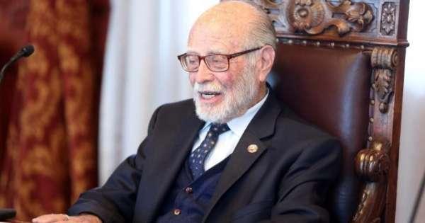 Desmienten fallecimiento de Julio César Trujillo