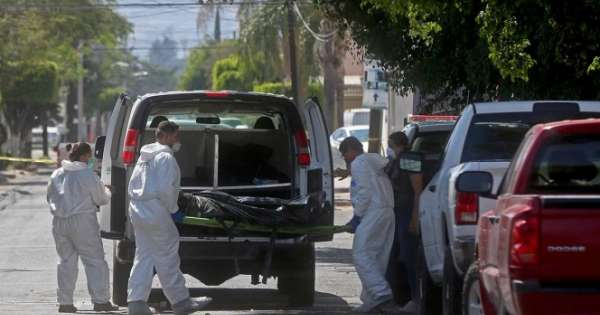 México: hallan restos humanos en 18 fundas