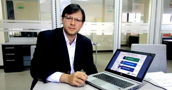 Moreno pide renuncia del titular del Arcsa