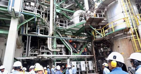 Analizan paso de Refinería Esmeraldas a sector privado