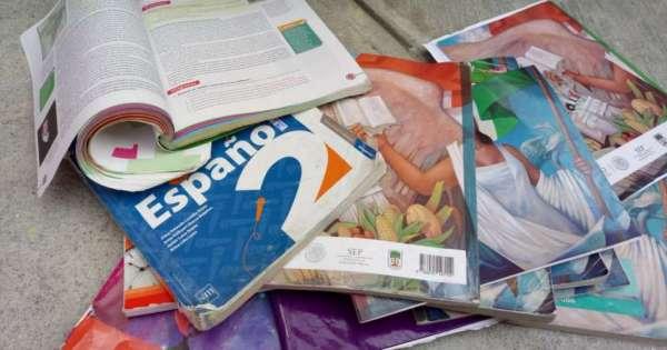 Libros de educación pública serán reemplazados por módulos