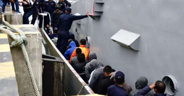 23 detenidos llegan a Manta por trasladar droga