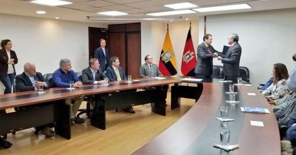 Convenio para investigar denuncias sobre Metro de Quito y Ruta Viva