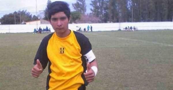 Portero de 17 años muere tras atajar un penal en Argentina