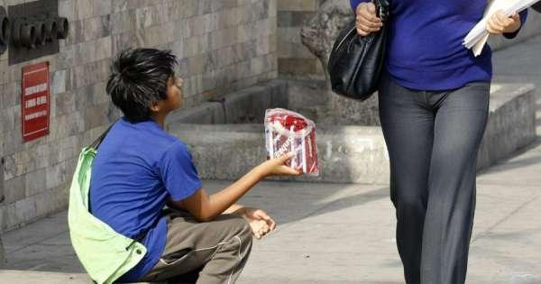 Miles de niños viven en mendicidad en Ecuador