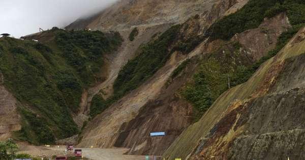 Ecuador comienza explotación minera a gran escala