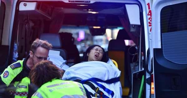 Ciudadanos detienen a atacante con cuchillo en Sídney