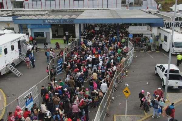 Llegada de venezolanos a Ecuador se duplica en últimos días sin exigencia de visa