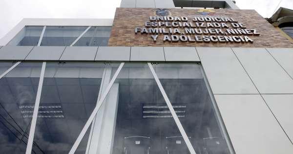 Investigan a juez de Yantzaza que liberó a delincuente - Ecuavisa