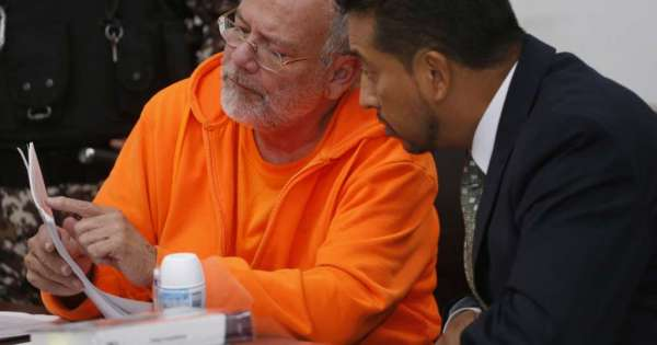 Pareja Yannuzzelli y cinco personas más van a audiencia de juicio por tráfico de influencias