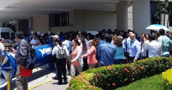 Evacúan hotel en Guayaquil por amenaza de bomba