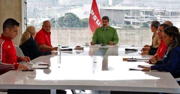 Maduro emprende diálogo con un sector opositor