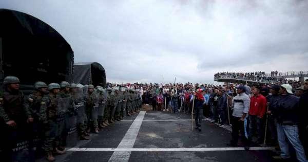 Excomandante del Ejército revela que 5 cuarteles fueron atacados durante el paro