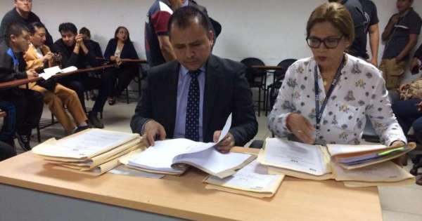 Dictan prisión preventiva contra Tuárez y otros 26 investigados por tráfico de influencias