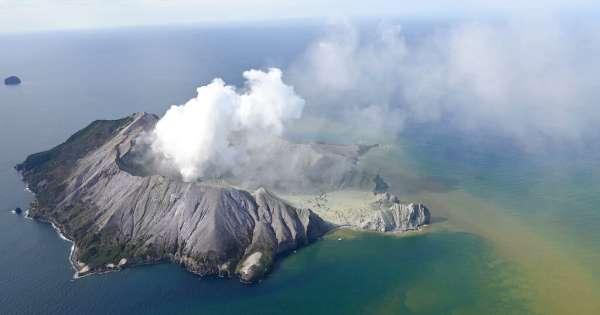 5 muertos en erupción de volcán en Nueva Zelanda