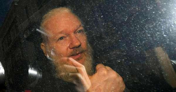 117 médicos señalan que Assange está sufriendo