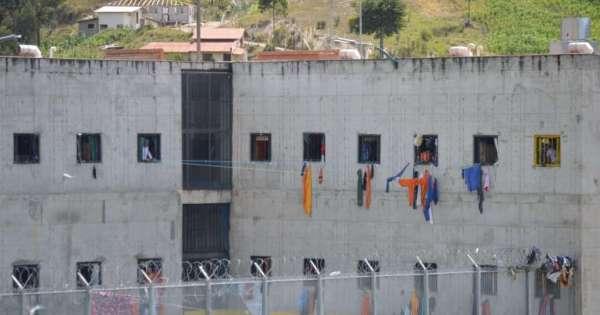 Hallan a seis presos sin vida en la cárcel de Turi, en Cuenca