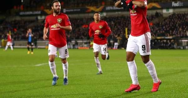 Martial evita la derrota del United en Brujas
