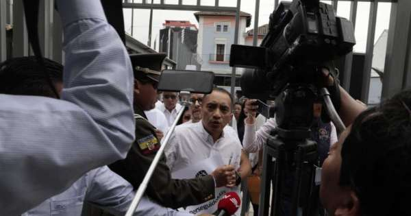 Yofre Poma intentó recuperar curul en Asamblea