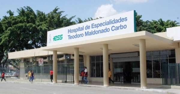 Hallan 100 ventiladores mecánicos abandonados en hospital del IESS