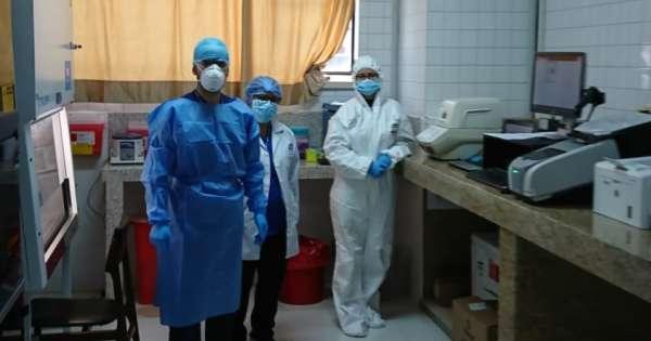 Ecuador busca llenar 700 vacantes de personal de salud por COVID-19