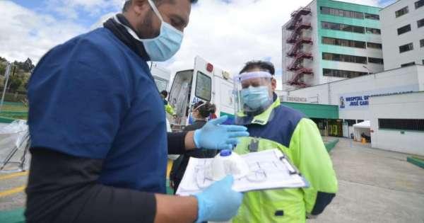 Enfermeros de Ecuador convocan a la ciudadanía a 'cacerolazo' de apoyo a su labor