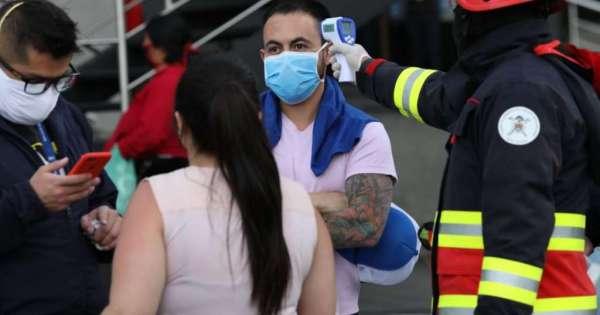 Universidades y agrupaciones médicas piden al alcalde de Quito no pasar a amarillo