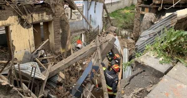 Dos fallecidos tras colapso de una vivienda en Quito