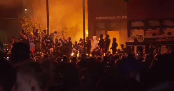 Camión intentó arrollar a protestantes en Minnesota