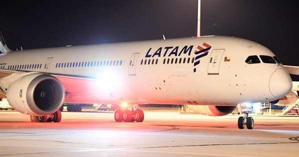 La aerolínea Latam despide a otras 1.000 personas en Chile, Colombia y Perú